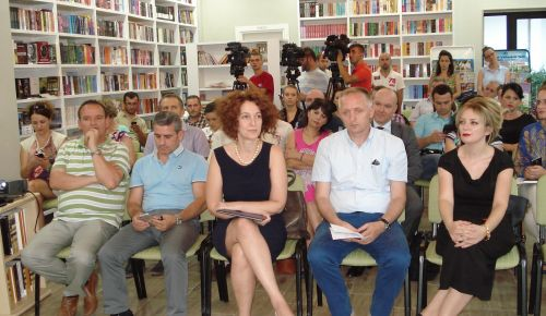Aleksandra Bogdani and Flamur Vezaj win the EU Award for Investigative Journalism in Albania