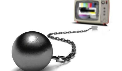 The Control Room: Political interference in the news production of Macedonia