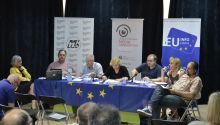 Who should be the allies of the press during their fight for reform of the media sector?